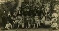 José de Almada Negreiros,com grupo de mascarados, numa festa do Colégio dos Jesuítas