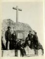 José de Almada Negreiros, em convívio, em Sintra, com colegas do colégio dos Jesuítas